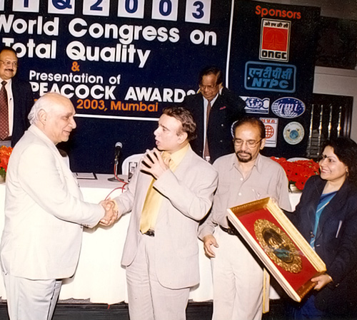 Yash Chopra collectes the Golden Peacock National Quality Award on behalf of Yash Raj Films