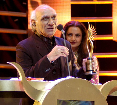 Yash Chopra at the IIFA Awards 2005
