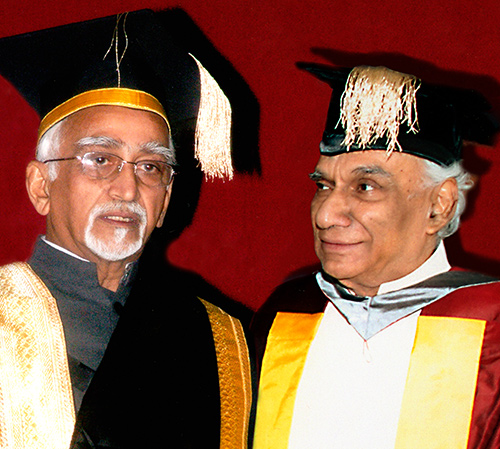Panjab University honours Yash Chopra with an Honorary Doctorate