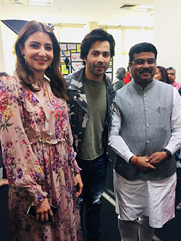 Varun Dhawan and Anushka Sharma signed as ambassadors of Skill India Campaign