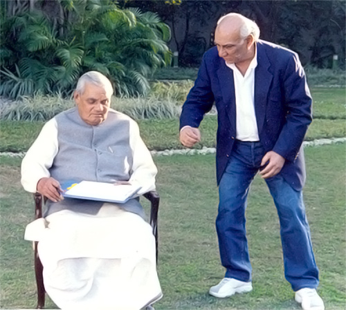 Mr. Yash Chopra Directs Prime Minister Atal Bihari Vajpayee's Music Video