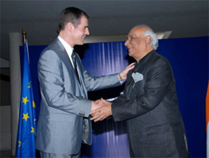 Yash Chopra honoured with the highest civilian award of France