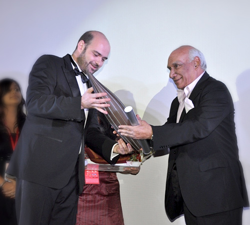 Yash Chopra receives the FIAPF Award, presented at the 2008 Asia Pacific Screen Awards